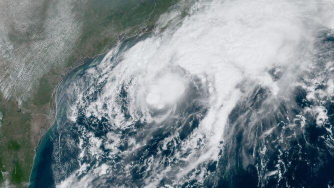 Zaatakował ich huragan, teraz zbliża się burza tropikalna. Drugi żywioł z nazwą z listy rezerwowej