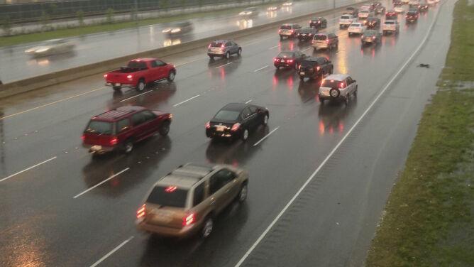 Deszcz utrudni jazdę w większości Polski