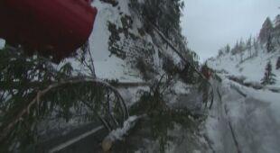 Kolejny dzień zimowych utrudnień w Austrii